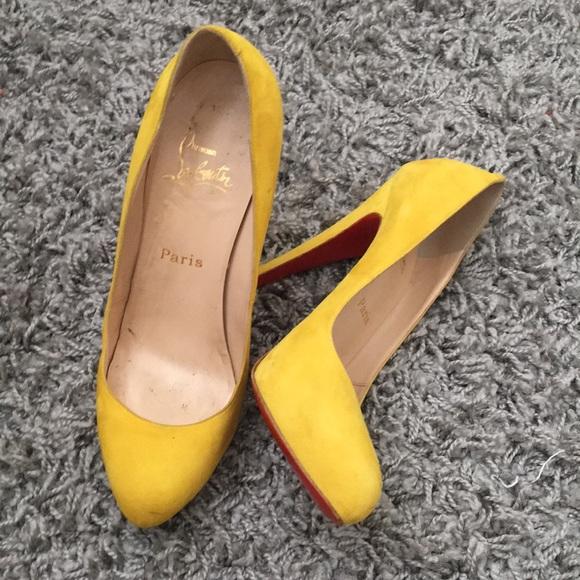 f2208e3cc9e Yellow suede louboutins